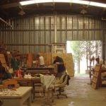 Taller San José: salir de la calle reciclando muebles