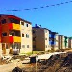 Avanza en la construcción de viviendas en el Barrio Alte. Brown