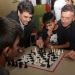 Macri visitó un centro comunitario en Vicente López