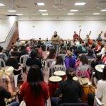 La orquesta de Ricardo Rojas recibió a Jorge Milchberg, referente de la música andina