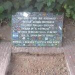 Se colocó una baldosa por la Memoria en la casa del autor de El Eternauta en Beccar