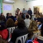 Reunión entre vecinos y concejales sobre la urbanización del barrio Martín y Omar
