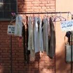 Perchero solidario en San Isidro: una iniciativa que contagia