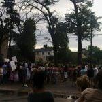 Mientras cortaban Rolón pidiendo justicia por una muerte, baleaban a otros dos jóvenes en La Cava