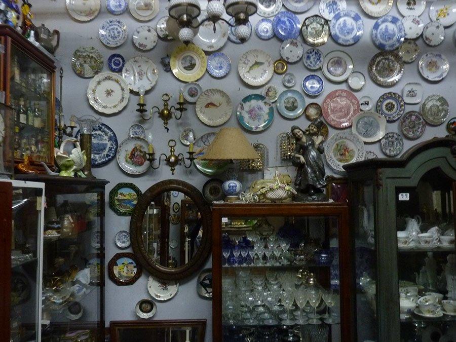 7e78f6232c56 Una Tienda de Antigüedades que atesora la identidad del barrio