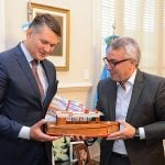Zamora intercambió experiencias con el embajador de República Checa