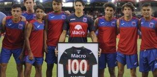 cachete-100